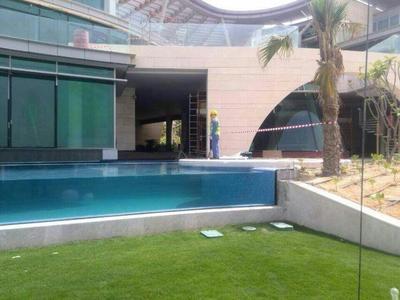 无边际泳池